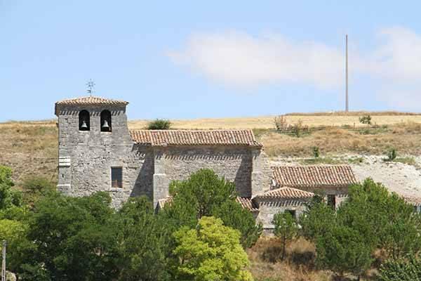 La iglesia de San Vicente es una combinación de estilo románico y renacentista.