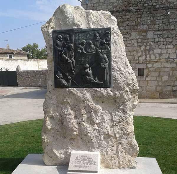Relieve dedicado a Andrés Díaz de Venero y Leyva en Celadilla-Sotobrín.