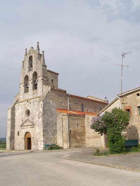 Exterior de la iglesia de Nuestra Señora de Acorro.