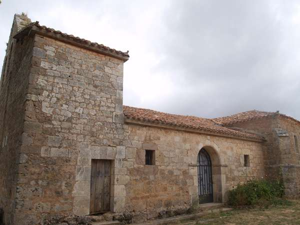 Iglesia de San Román, una de las dos que tiene La Molina de Ubierna.