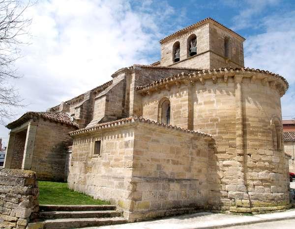 La iglesia de Santiago es un magnífico exponente del románico rural burgalés.