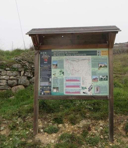 Panel informativo típico de las rutas y sendero de pequeño recorrido <br> Fuente: es.wikiloc.com