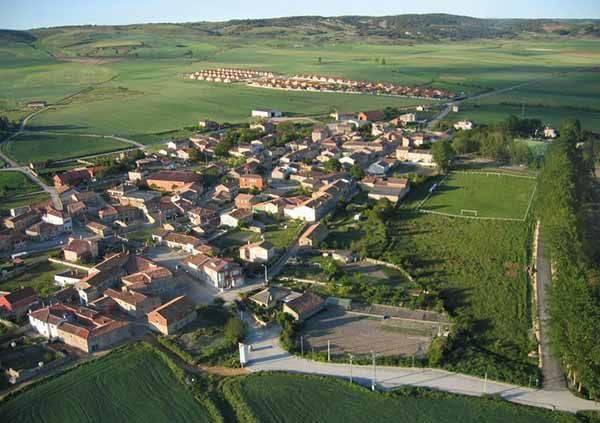 Vista aérea de Rioseras, cabecera del municipio del Valle de las Navas.